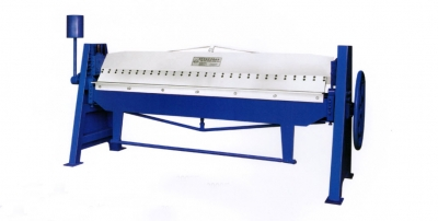 a Manual Folding Machine Length 2500mm,Thickness 1.5mm