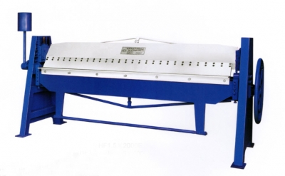 a Manual Folding Machine Length 4000mm,Thickness 1mm